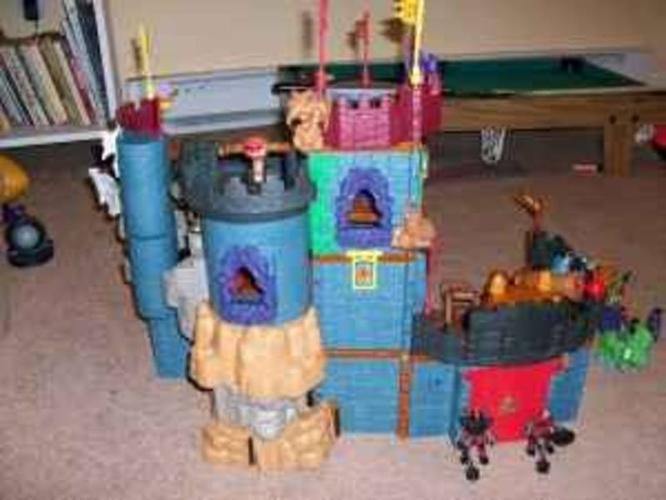 2 complete imaginex sets   castle and jail (view both pics) for sale