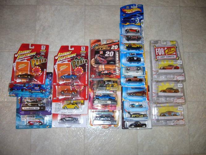25 Hot Wheels/Johnny Lightning Cars - Never Opened