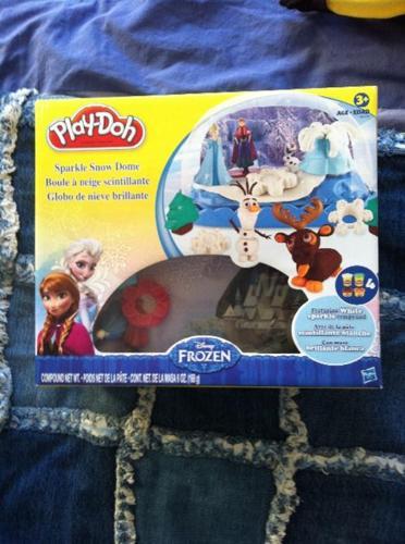 """Frozen"" ""Sparkly snow dome"" kit"