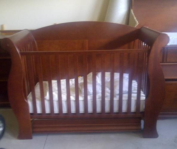5 PIECE SOLID WOOD NURSERY SET - CRIB, HUTCH, BOOK CASE AND TOY