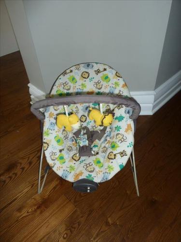 Baby bouncer seat / Siège sauteur pour bébé