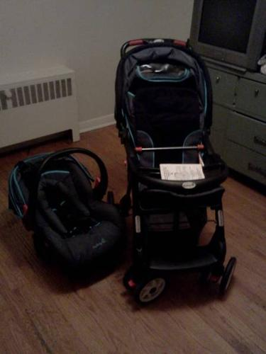 Brand New Safty First Stroller and Matching Car Seat