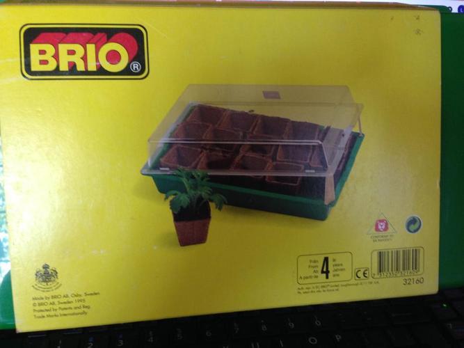 Brio mini-greenhouse