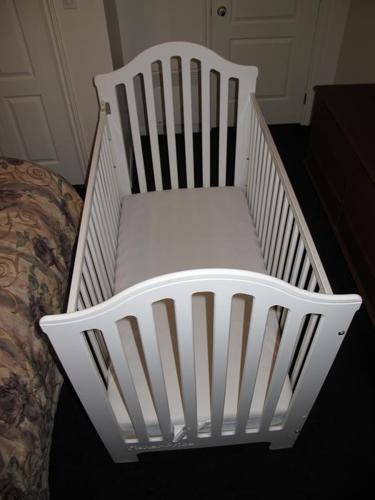 Crib & mattress