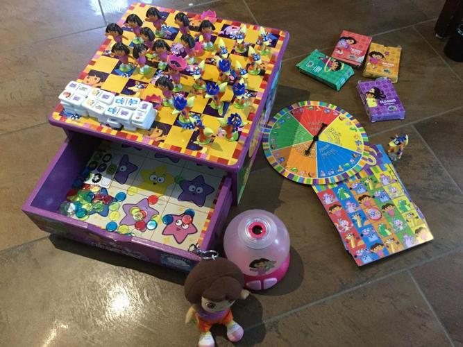 Dora The Explorer Game Set and Light
