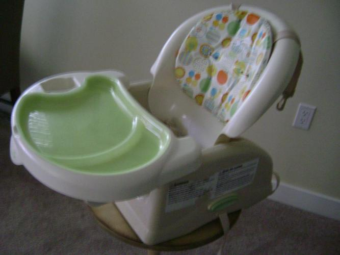 Dorel Feeding Chair (attaches to any chair)
