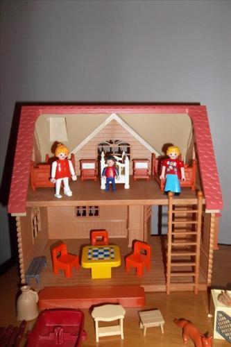 Epoch vintage Sylvania family doll house w Playmobile furnitures