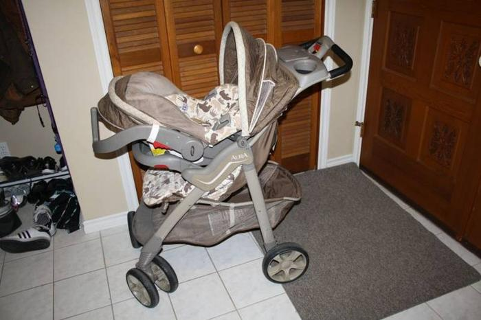 Evenflo Aura Safari Travel System (stroller and bucket car seat) for