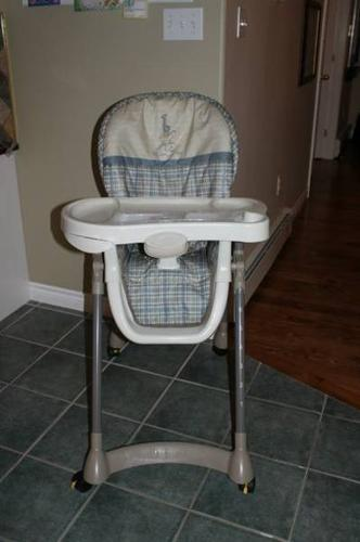 EVENFLO Easy Fold High Chair for sale in Dartmouth Nova Scotia Baby is ing