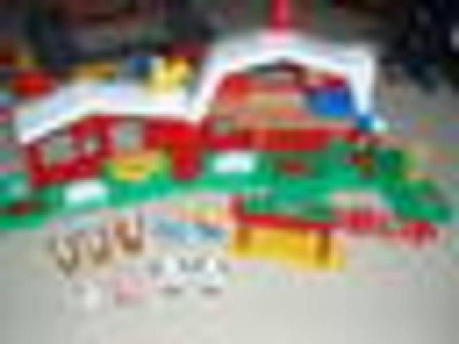 Fisher Price Little People Sounds Farm and Tractor