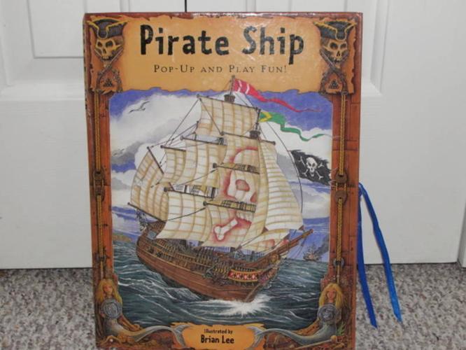 Folding Pirate Ship paper toy