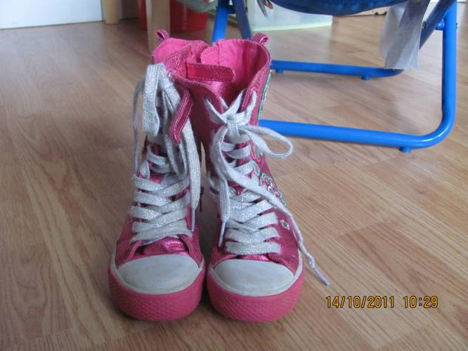 Girls Children's Place high top sneakers size 11