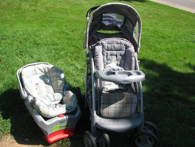 Graco Quattro Tour Deluxe Stroller Infant Seat For Sale In