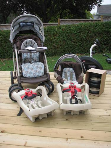 Graco Snugride 32 Travel System with 2nd base