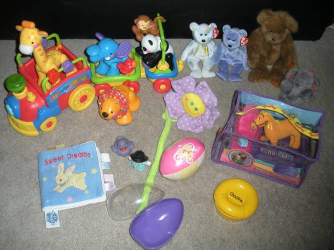 ***Infant to Toddler Toy Lot (20 items) - $45**