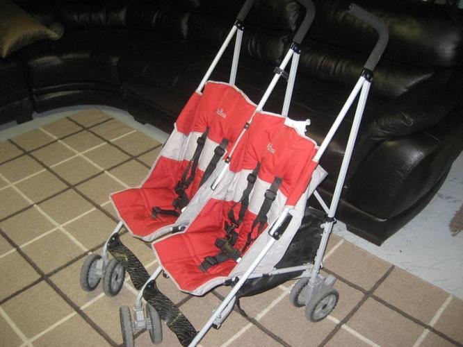 Inglesina Swift Double Umbrella Stroller