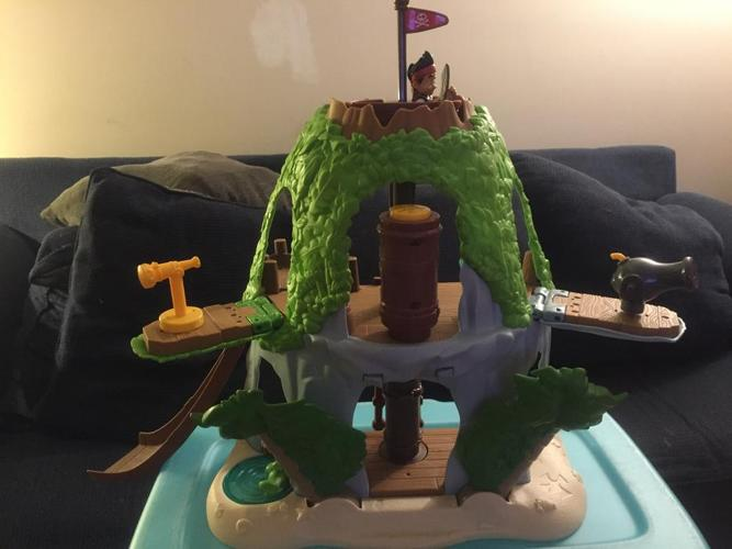 Jake and the Never Land Pirates Jake's Magical Tiki Hideout Play Set