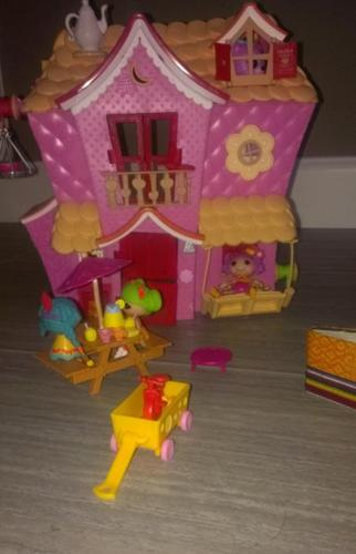Lalaloopsy house, dolls & accessories