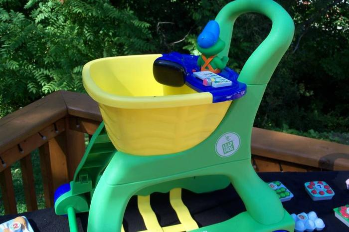 LEAP FROG Pretend & Learn Shopping Cart with scanner ...