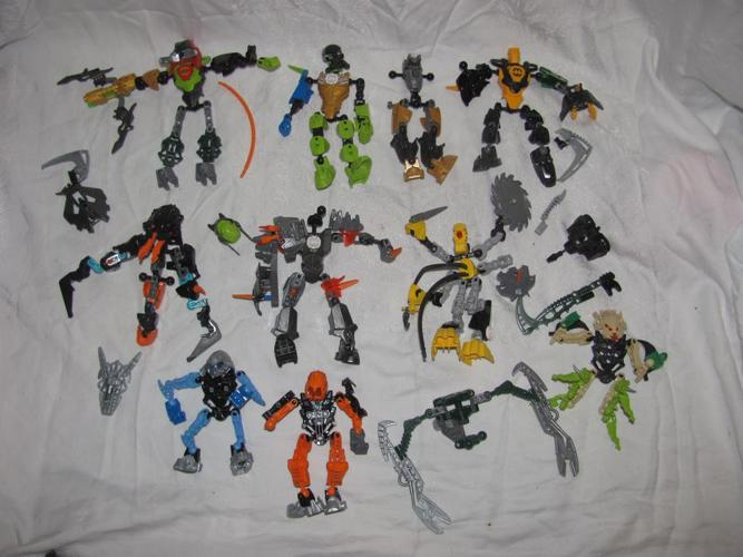 Lego Bionicle Lot - Roughly 10 Figures - Not Complete for