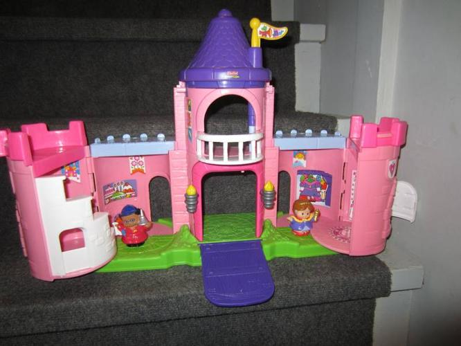 Little people princess castle for sale in saskatoon for Little princess castle