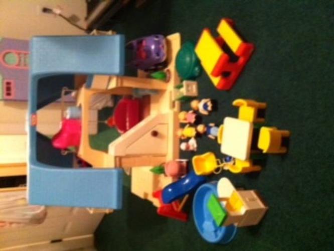 Little Tikes Dollhouse