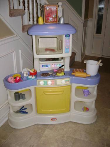 Little Tikes Family Kitchen for sale in Brantford, Ontario - Baby is ...