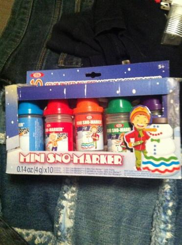 Mini snow marker coloring kit