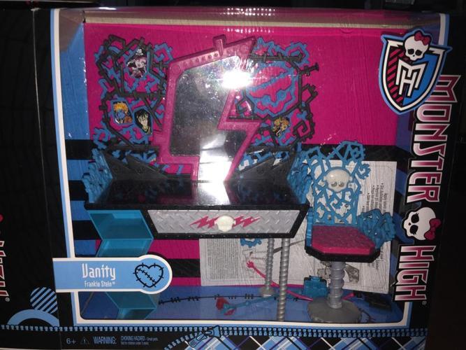 Monster High Frankie Stein Vanity