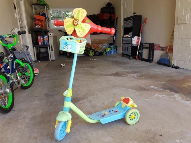 Nice music scooter
