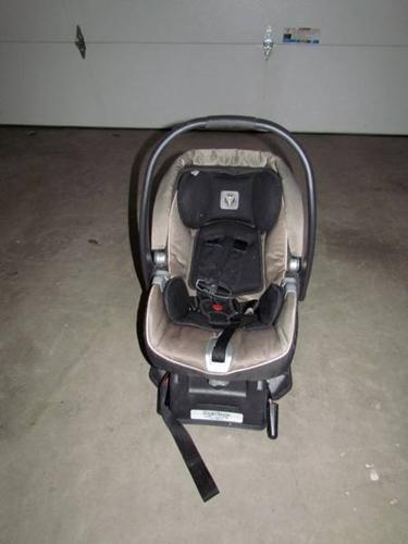 Peg Perego Viaggio Car Seat