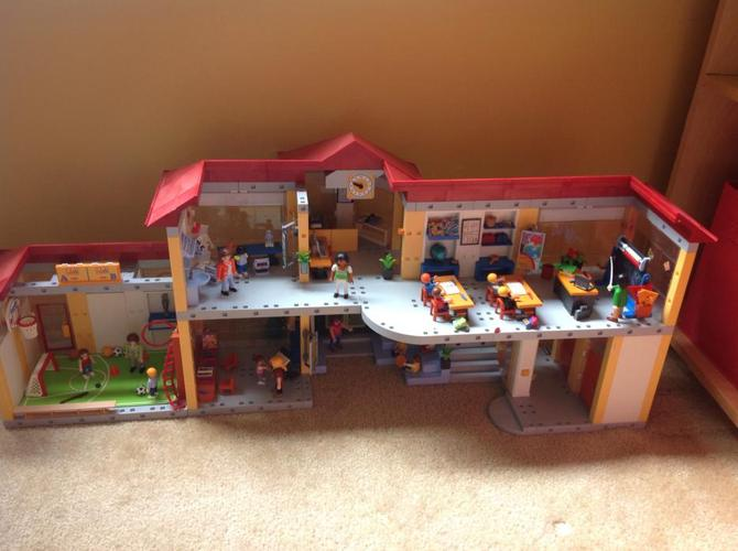 Playmobil furnished school AND gym