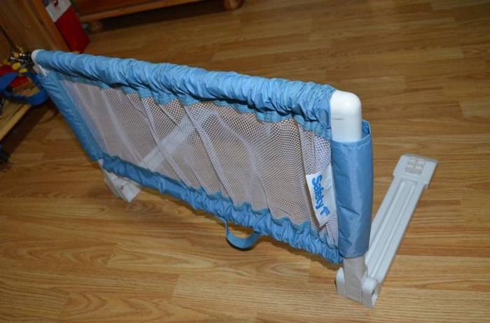 Safety 1st Portable Baby Bed Rail Expandable