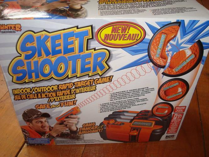 SKEET SHOOTER GAME - NEW IN BOX