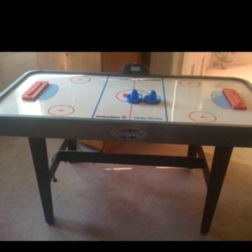 Sportcraft Turbo Air Hockey Table For Sale For Sale In Port Rowan - Sportcraft turbo air hockey table