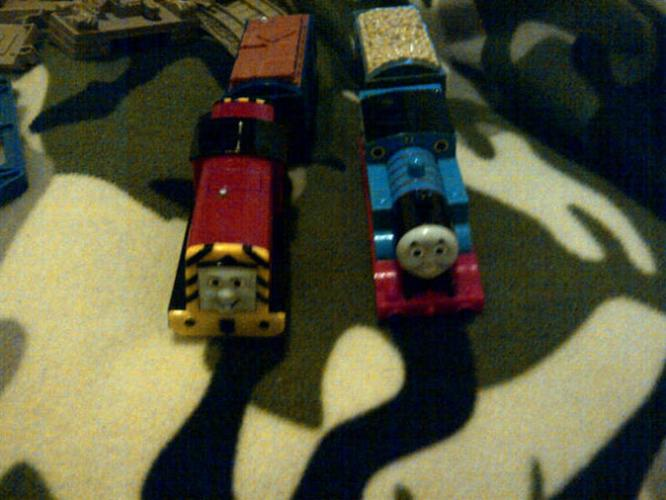THOMAS THE TRAIN LOT .. GREAT DEAL .. MUST GO TODAY >>!! 60 OBO