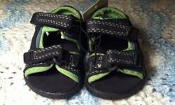 0-3 months shoes $2/pair