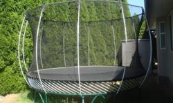 Good shape springfree trampoline, world safest trampoline. Full net enclosure, already dissAsembled and ready to go. Text 2508186956