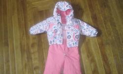 Pink Columbia 2 piece snowsuit in excellent condition. Reversible jacket. Size 12 months.