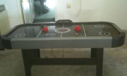 6 ft Air hockey table Good shape . See the price or make an OFFER!!!!