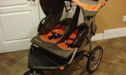 Baby Trend Double Jogging Stroller-Expedition Model *In excellent condition* This versatile jogging stroller features a swivel wheel that locks the front tire in place when you're on the run and unlocks quickly for low-speed strolls. Durably constructed