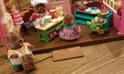 Very similar to theCalico Critters. Check out other ads.
