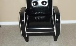 new price 5/30/16 THIS BEAUTIFUL CHAIR IS IN GREAT SHAPE ,SUITABLE FOR A 1 TO 5 YRS OLD CHILD. ASKING $25.00 FEEL FREE TO LOOK AT MY OTHER ADS