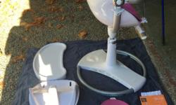 EUC This chair is in pristine condition, it was taken out of the box and used for a handful of meals.. http://usa.bloombaby.com/collections/all/products/fresco-chrome?variant=1208263248 Includes: Chair All attachments Second insert Manual