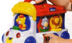 The great circus Electronic Chicco, to develop the associative capacity and coordination of the child. Bus is full of circus characters and manual activities, lights, sounds and melodies that provide learning and great fun. The carrying handle is ideal