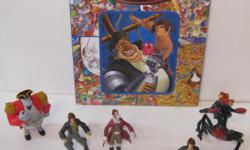 Le prix est pour le tout. Livre-jeu cherche et trouve plus jouets du film de Disney. 6 pièces svp voir nos autres annonces.