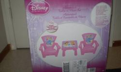 Disney Princess table and  two chairs set in excellent condition $25 for the set phone 290-8467