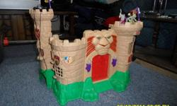 Fisher Price Castle Includes 2 action figures. Excellent Condition!. Must be able to pick up Good castle for Lego figures too. Lions Nose makes sounds