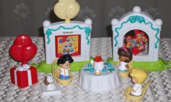 """BY FISHER PRICE LITTLE PEOPLE HAPPY BIRTHDAY. """"GREAT WAY TO WISH HAPPY BIRTHDAY TO YOU LITTLE ONE"""" FEATURES: A FUN PLAY SET FOR A BIRTHDAY CELEBRATION. PRESS ON THE CAKE TO LIGHT THE CANDLES AND HEAR THE """"HAPPY BIRTHDAY """"SONG. OPEN THE GIFT TO SEE WHAT IS"""