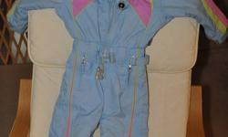 This snowsuit was AMAZING, and fit well for two winters at age three and four. Well worn, but tons of life left! Paid $169+shipping, asking $30.
